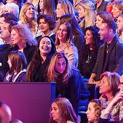 NLD/Hilversum/20130105 - 2de Liveshow Sterren Dansen op het IJs 2013, dochter Antje Monteiro