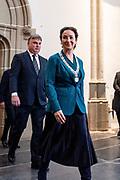 Koning Willem Alexander onthult gedenksteen voor Multatuli - Eduard Douwes Dekker, in de Nieuwe kerk, Amsterdam als onderdeel het Multatuli-jaar<br /> <br /> op de foto: Femke Halsema