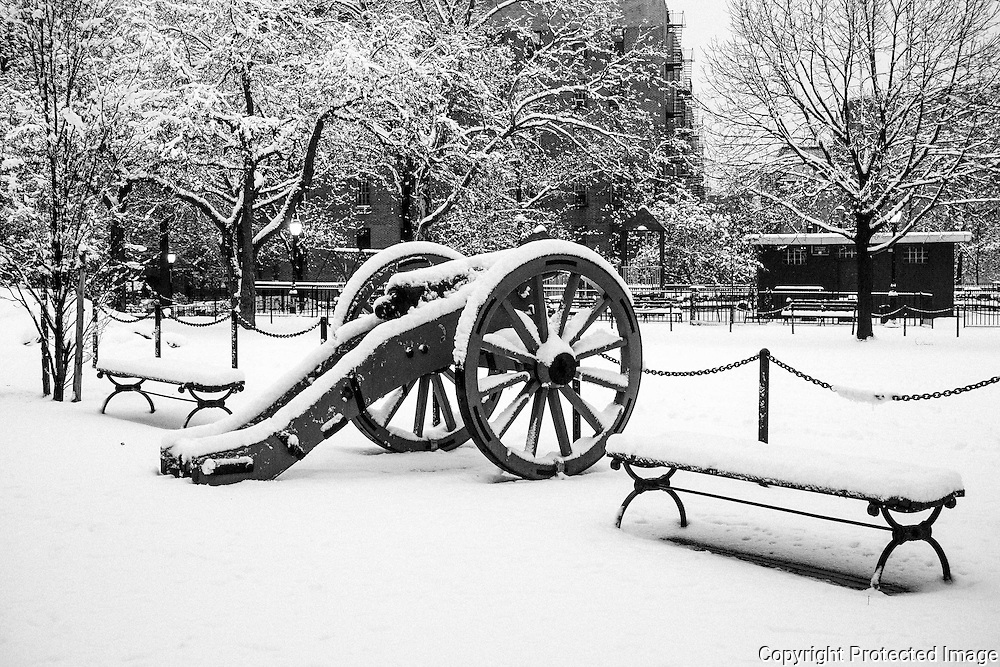 New York City in the snow New York City scenes in the snow all around the bor