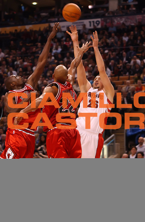 DESCRIZIONE : Toronto NBA 2009-2010 Toronto Raptors Chicago Bulls<br /> GIOCATORE : Hedo Turkoglu<br /> SQUADRA : Toronto Raptors<br /> EVENTO : Campionato NBA 2009-2010 <br /> GARA : Toronto Raptors Chicago Bulls<br /> DATA : 11/11/2009<br /> CATEGORIA :<br /> SPORT : Pallacanestro <br /> AUTORE : Agenzia Ciamillo-Castoria/V.Keslassy<br /> Galleria : NBA 2009-2010<br /> Fotonotizia : Toronto NBA 2009-2010 Toronto Raptors Chicago Bulls<br /> Predefinita :