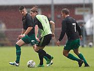 FODBOLD: Mathias Carlsen (Taastrup FC) med bolden under kampen i Danmarksserien mellem Taastrup FC og Fredensborg BI den 9. september 2017 i Taastrup Idrætspark. Foto: Claus Birch