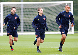 14.09.2010, Trainingsplatz Arsenal, London, ENG, PL, Arsenal Training, im Bild Left to Right Arsenal's Cesc Fabregas , Arsenal's Jack Wilshere and Kieran Gibbs.. EXPA Pictures © 2010, PhotoCredit: EXPA/ IPS/ Kieran Galvin +++++ ATTENTION - OUT OF ENGLAND/UK +++++ / SPORTIDA PHOTO AGENCY