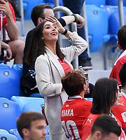 FUSSBALL  WM 2018  Achtelfinale  03.07.2018 Schweden - Schweiz Leonita Xhaka, Frau von Granit Xhaka (Schweiz)