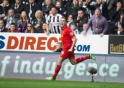 27.04.2013, St. James Park, Newcastle, ENG, Premier League, Newcastle United vs FC Liverpool, 35. Runde, im Bild Liverpool's Jordan Henderson celebrates scoring the second goal against Newcastle United during the English Premier League 35th round match between Newcastle United and Liverpool FC at the St. James Park, Newcastle, Great Britain on 2013/04/27. EXPA Pictures © 2013, PhotoCredit: EXPA/ Propagandaphoto/ David Rawcliffe..***** ATTENTION - OUT OF ENG, GBR, UK *****