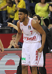 12.04.2015, Brose Arena, Bamberg, GER, Beko Basketball BL, Brose Baskets Bamberg vs EWE Baskets Oldenburg, Top Four 2015, Finale, im Bild Ryan Thompson ( brose baskets Bamberg ) feuert das Taam an // during the Beko Basketball Bundes league TOP FOUR 2015 final match between Brose Baskets Bamberg and EWE Baskets Oldenburg at the Brose Arena in Bamberg, Germany on 2015/04/12. EXPA Pictures © 2015, PhotoCredit: EXPA/ Eibner-Pressefoto/ Langer<br /> <br /> *****ATTENTION - OUT of GER*****
