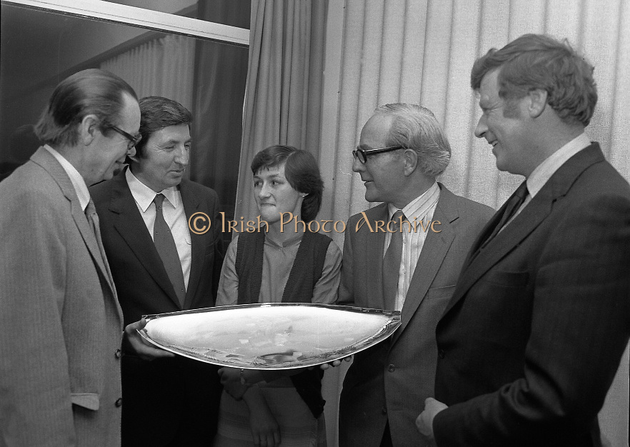 """The National Fish Cookery Award""..29.04.1982..04.29.1982.29th April 1982.1982..This competition sponsored by Bord Iascaigh Mhara was held in The Clare Inn, Newmarket-on Fergus,Co Clare. the competition was open to schools across the country.Mr Paddy Kerin,Assistant Sec., Department of Fisheries and Forestry,Minister Daly,Catherine O'Sullivan (winner) and Mr.T.F.Geoghegan,Market Development Manager,Bord Iascaigh Mhara and Dr Tony Meaney pose with the Silver Salver."