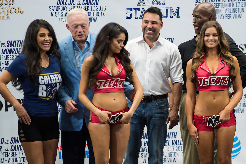 Oscar De La Hoya stands on stage during the weigh-ins at AT&T Stadium in Arlington, Texas on September 16, 2016.  (Cooper Neill for ESPN)