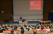 Nederland, Nijmegen, 20-8-2014De nieuwe eerstejaars studenten bedrijfskunde aan de Radboud Universiteit krijgen uitleg over hun studie in de collegezaal van een studieadviseurFOTO: FLIP FRANSSEN/ HOLLANDSE HOOGTE