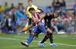 30.09.2010, Vicente Calderon Stadion, Madrid, UEFA EL, Atletico de Madrid vs Bayer 04 Leverkusen, im Bild Atletico Madrid's Jose Antonio Reyes and Bayer Leverkusen's  Sidney Sam during UEFA Europe League. EXPA Pictures © 2010, PhotoCredit: EXPA/ Alterphotos/ Cesar Cebolla +++++ ATTENTION - OUT OF SPAIN / ESP +++++