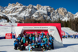 20.01.2018, Olympia delle Tofane, Cortina d Ampezzo, ITA, FIS Weltcup Ski Alpin, Abfahrt, Damen, im Bild Siegerin Lindsey Vonn (USA) mit ihrem Team // Winner Lindsey Vonn of the USA with his team during the Winner Award Ceremony of ladie' s downhill of the Cortina FIS Ski Alpine World Cup at the Olympia delle Tofane course in Cortina d Ampezzo, Italy on 2018/01/20. EXPA Pictures © 2018, PhotoCredit: EXPA/ Dominik Angerer