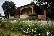 Salto da Divisa_MG, Brasil...Fachada e casa em Salto da Divisa, Minas Gerais...The house facade in Salto da Divisa...Foto: LEO DRUMOND / NITRO