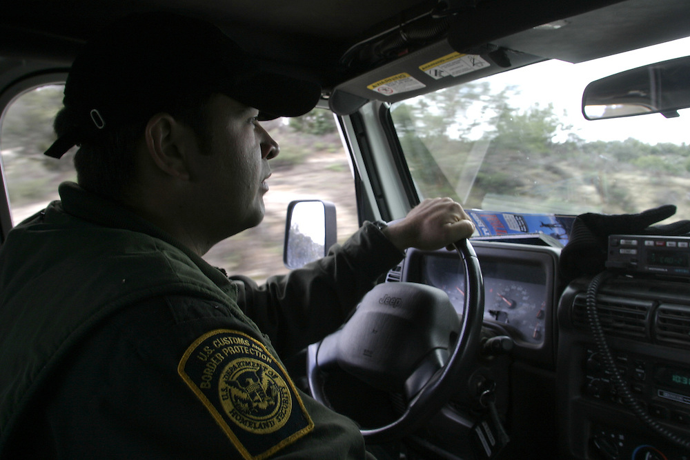 A U.S.A border patrol looking for group of undocumented immigrants that been watched by the minuteman members at the 21April 2006 next to Boulevard about 65 miles (104.6 km) east of downtown San Diego... ..
