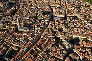 France, Languedoc Roussillon, Hérault, Montpellier, centre historique, l'Ecusson, église St. Anne, rue St. Guilhem, église St. Roch, vue aérienne