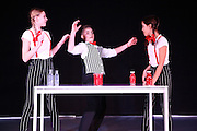 Mannheim. 10.02.17 | BILD- ID 077 |<br /> Dance Professional Mannheim zeigt eine Jahres-Show, in der sich junge Tanztalente präsentieren, die sich momentan auf eine Tanzausbildung vorbereiten.<br /> - Alisa Behnke, Marta Lufinha, Andre Meyer<br /> Bild: Markus Prosswitz 10FEB17 / masterpress (Bild ist honorarpflichtig - No Model Release!)