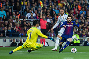 10 Leo Messi from Argentina of FC Barcelona in front of 01 Keylor Navas from Puerto Rico of Real Madrid during the Spanish championship La Liga football match between FC Barcelona and Real Madrid on May 6, 2018 at Camp Nou stadium in Barcelona, Spain - Photo Xavier Bonilla / Spain ProSportsImages / DPPI / ProSportsImages / DPPI