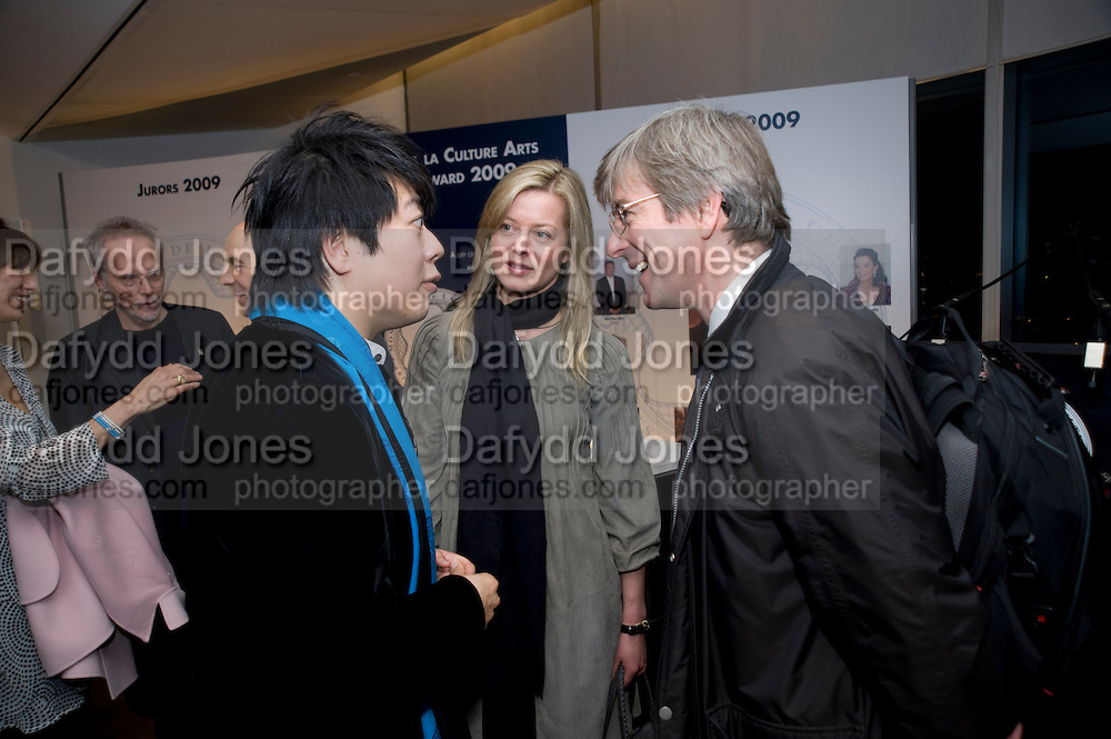 LANG LANG; LADY HELEN TAYLOR; TIMOTHY TAYLOR. The Presentation of the Montblanc de la Culture Arts Patronage Award to Anthony D'Offay. Tate Modern. 16 April 2009<br /> LANG LANG; LADY HELEN TAYLOR; TIMOTHY TAYLOR. The Presentation of the Montblanc de la Culture Arts Patronage Award to Anthony D'Offay. Tate Modern. 16 April 2009 *** Local Caption *** -DO NOT ARCHIVE-© Copyright Photograph by Dafydd Jones. 248 Clapham Rd. London SW9 0PZ. Tel 0207 820 0771. www.dafjones.com.