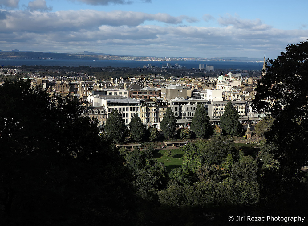 UK SCOTLAND EDINBURGH 10OCT13 - General view of Edinburgh, the capital city of Scotland.<br /> <br /> Edinburgh regularly polls as one of the best places to live, having won more than 12 UK Best City Awards in 8 years to 2013[14] and, attracting over one million overseas visitors a year, is the second most popular tourist destination in the UK.<br /> <br /> jre/Photo by Jiri Rezac<br /> <br /> © Jiri Rezac 2013