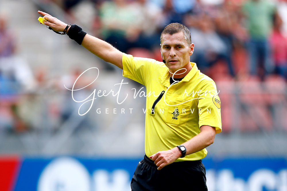 Onderwerp/Subject: Eredivisie<br /> Reklame:  <br /> Club/Team/Country: <br /> Seizoen/Season: 2013/2014<br /> FOTO/PHOTO: Referee Tom VAN SICHEM. (Photo by PICS UNITED)<br /> <br /> Trefwoorden/Keywords: <br /> #08 #09 #21 $94 &plusmn;1371811811150<br /> Photo- &amp; Copyrights &copy; PICS UNITED <br /> P.O. Box 7164 - 5605 BE  EINDHOVEN (THE NETHERLANDS) <br /> Phone +31 (0)40 296 28 00 <br /> Fax +31 (0) 40 248 47 43 <br /> http://www.pics-united.com <br /> e-mail : sales@pics-united.com (If you would like to raise any issues regarding any aspects of products / service of PICS UNITED) or <br /> e-mail : sales@pics-united.com   <br /> <br /> ATTENTIE: <br /> Publicatie ook bij aanbieding door derden is slechts toegestaan na verkregen toestemming van Pics United. <br /> VOLLEDIGE NAAMSVERMELDING IS VERPLICHT! (&copy; PICS UNITED/Naam Fotograaf, zie veld 4 van de bestandsinfo 'credits') <br /> ATTENTION:  <br /> &copy; Pics United. Reproduction/publication of this photo by any parties is only permitted after authorisation is sought and obtained from  PICS UNITED- THE NETHERLANDS