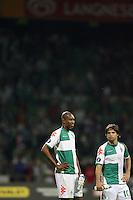 Fussball  UEFA Pokal  Halbfinale  Rueckspiel  Saison 2006/2007 Werder Bremen - Espanyol Barcelona              NALDO (li) und DIEGO (re, beide Bremen) sind nach dem Abpfiff enttaeuscht