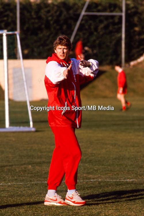 Arsene Wenger - 08.09.1988 - Valur Reykjavik / Monaco - Coupe d'Europe des clubs champions<br />Photo : De Martignac / Icon Sport