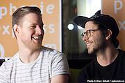Portrait de Jean-Philippe Bernier et Jean-Nicolas Leupi du groupe Le Matos, en direct lors de l'émission radiophonique Francophonie Express  à  Bar Alice de l'hôtel Omni / Montreal / Canada / 2016-02-02, Photo © Marc Gibert / adecom.ca