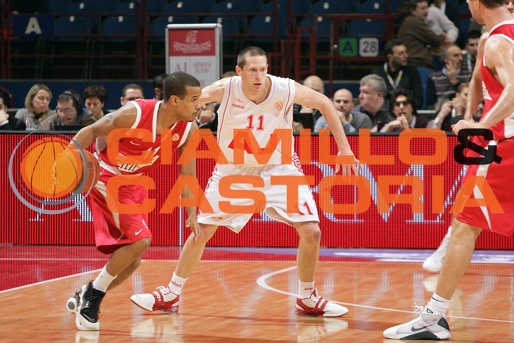 DESCRIZIONE : Milano Eurolega 2008-09 Armani Jeans Milano Olympiacos Piraeus<br /> GIOCATORE : Lynn Greer<br /> SQUADRA : Olympiacos Piraeus<br /> EVENTO : Eurolega 2008-2009<br /> GARA : Armani Jeans Milano Olympiacos Piraeus<br /> DATA : 29/01/2009 <br /> CATEGORIA : Palleggio<br /> SPORT : Pallacanestro <br /> AUTORE : Agenzia Ciamillo-Castoria/S.Ceretti