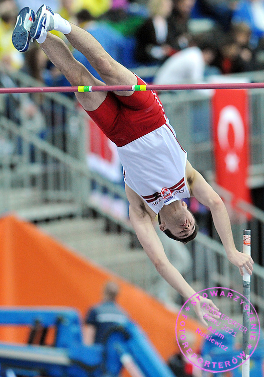 LUKASZ DIDENKOW (POLAND) COMPETES POLE VAULT MEN AT OVAL LINGOTTO HALL DURING EUROPEAN ATHLETICS INDOOR CHAMPIONSHIPS TORINO 2009...TORINO , ITALY , MARCH 07, 2009..( PHOTO BY ADAM NURKIEWICZ / MEDIASPORT )