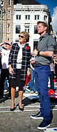 AMSTERDAM - Prinses Margriet en haar zoon en tevens vicevoorzitter van het Rode Kruis, prins Pieter-Christiaan zijn aanwezig bij de wereldrecordpoging EHBO op de Dam. Tijdens de recordpoging worden de deelnemers getraind door enkele tientallen instructeurs die vertellen wat je moet doen bij bewusteloosheid, bloedingen, verslikking of verstikking.  copyrght robin utrecht