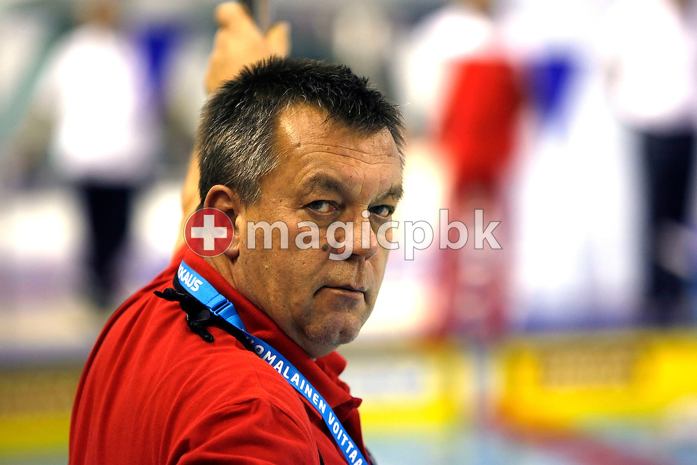 Switzerland's head coach Guennadi Touretski (Gennadi Turetski) of Russia is pictured during a practice session two days before the start of the European Short Course Swimming Championships in Maekelaenrinne Swimming Centre in Helsinki, Finland, Tuesday, December 5, 2006. (Photo by Patrick B. Kraemer / MAGICPBK)
