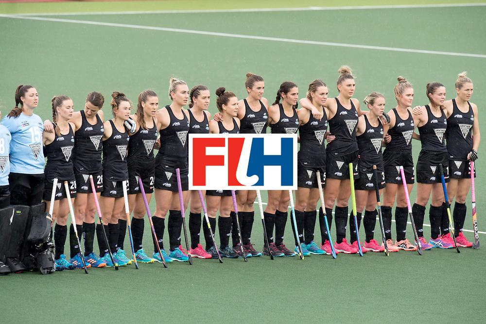 AUCKLAND - Sentinel Hockey World League final women<br /> Match id 10295<br /> 05 New Zealand  v Korea<br /> Foto: Start of the match, line up New Zealand.<br /> WORLDSPORTPICS COPYRIGHT FRANK UIJLENBROEK