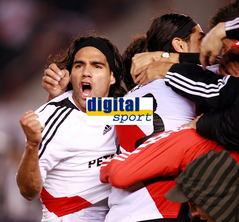 RIVER PLATE (2) Vs. SAN LORENZO de Almadro (2) for the soccer match in the Copa Libertadores at River Plate Stadium.<br /> SAN LORENZO move to next round after classification in a (4-3 aggregate)<br /> Buenos Aires, Argentina May 8, 2008.<br /> River Plate player RADAMEL FALCAO GARCIA.<br /> © Gabriel Piko / PikoPress