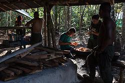 El Diamante, Meta, Colombia - 15.09.2016        <br /> <br /> Kitchen area of the guerilla camp during the 10th conference of the marxist FARC-EP in El Diamante, a Guerilla controlled area in the Colombian district Meta. Few days ahead of the peace contract passing after 52 years of war with the Colombian Governement wants the FARC decide on the 7-days long conferce their transformation into a unarmed political organization. <br /> <br /> Kueche des Guerilla-Camps zur zehnten Konferenz der marxistischen FARC-EP in El Diamante, einem von der Guerilla kontrollierten Gebiet im kolumbianischen Region Meta. Wenige Tage vor der geplanten Verabschiedung eines Friedensvertrags nach 52 Jahren Krieg mit der kolumbianischen Regierung will die FARC auf ihrer sieben taegigen Konferenz die Umwandlung in eine unbewaffneten politischen Organisation beschlieflen. <br />  <br /> Photo: Bjoern Kietzmann