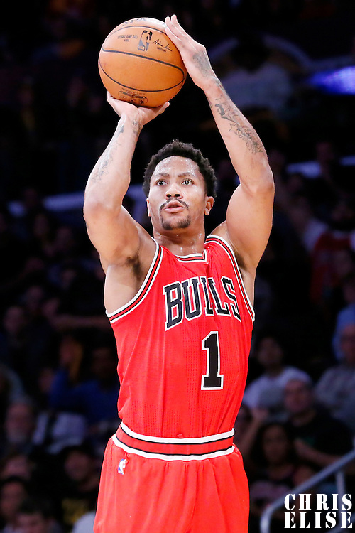 29 January 2015: Chicago Bulls guard Derrick Rose (1) takes a jump shot during the Los Angeles Lakers 123-118 2OT victory over the Chicago Bulls, at the Staples Center, Los Angeles, California, USA.