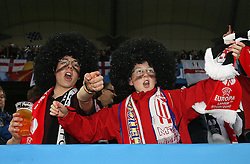 12.05.2010, Hamburg Arena, Hamburg, GER, UEFA Europa League Finale, Atletico Madrid vs Fulham FC, im Bild Fulham's fans soak the atmosphere, EXPA Pictures © 2010, PhotoCredit: EXPA/ IPS/ Marcello Pozzetti / SPORTIDA PHOTO AGENCY