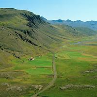 Ásgarður og Ásunnarstaðir séð til norðausturs, Hóll og Dísastaðir í bakgrunni, Breiðdalshreppur / Asgardur and Asunnarstadir viewing northeast, Holl and Disastadir in background. Breiddalshreppur.