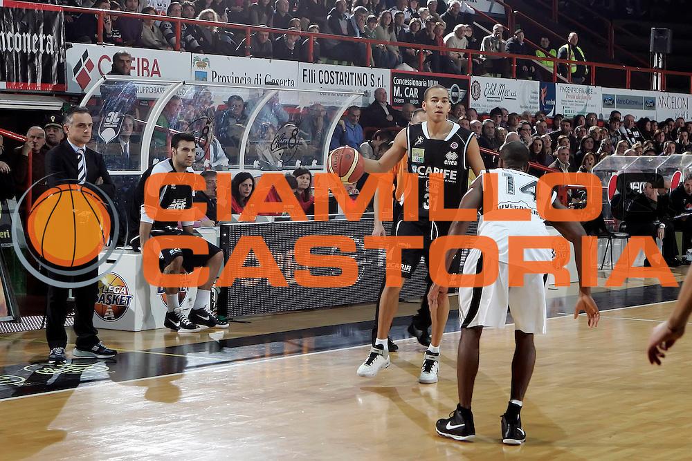 DESCRIZIONE : Caserta Lega A 2009-10 Pepsi Caserta Carife Ferrara<br /> GIOCATORE : Yohann Sangare<br /> SQUADRA : Carife Ferrara<br /> EVENTO : Campionato Lega A 2009-2010 <br /> GARA : Pepsi Caserta Carife Ferrara<br /> DATA : 17/01/2010<br /> CATEGORIA : palleggio<br /> SPORT : Pallacanestro <br /> AUTORE : Agenzia Ciamillo-Castoria/A.De Lise<br /> Galleria : Lega Basket A 2009-2010 <br /> Fotonotizia : Caserta Campionato Italiano Lega A 2009-2010 Pepsi Caserta Carife Ferrara<br /> Predefinita :