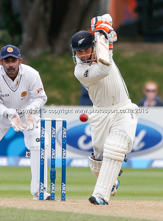 BJ Watling bats. Fourth day, second test, ANZ Cricket Test series, New Zealand Black Caps v Sri Lanka, 06 January 2015, Basin Reserve, Wellington, New Zealand. Photo: John Cowpland / www.photosport.co.nz