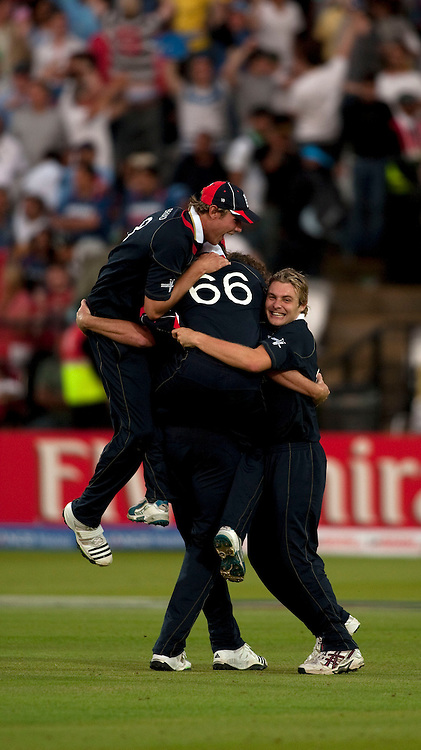 Ryan Sidebottom is mobbed by team-mates after winning the ICC World Twenty20 Cup match between India and England at Lord's. Photo © Graham Morris (Tel: +44(0)20 8969 4192 Email: sales@cricketpix.com)
