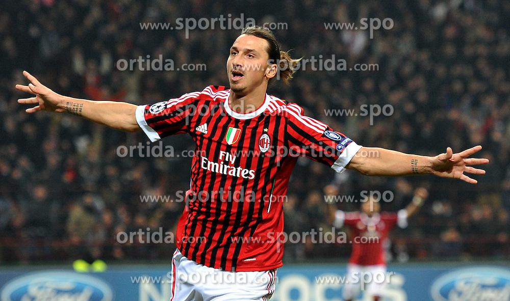 23.11.2011, Giuseppe Meazza Stadion, Mailand, ITA, UEFA CL, Gruppe H, AC Mailand (ITA) vs FC Barcelona (ESP), im Bild esultanza di Zlatan IBRAHIMOVIC (Milan) Goal celebration // during the football match of UEFA Champions league, group H, between Gruppe H, AC Mailand (ITA) and FC Barcelona (ESP) at Giuseppe Meazza Stadium, Milan, Italy on 2011/11/23. EXPA Pictures © 2011, PhotoCredit: EXPA/ Insidefoto/ Alessandro Sabattini..***** ATTENTION - for AUT, SLO, CRO, SRB, SUI and SWE only *****