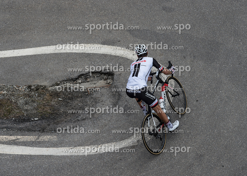 23.05.2017, Bormio, ITA, Giro d Italia 2017, 16. Etappe, Rovetta nach Bormio, im Bild Georg Preidler (AUT, Team Sunweb) // during the 16th stage of the 100th Giro d' Italia cycling race from Rovetta to Bormio, in Bormio Italy on 2017/05/23. EXPA Pictures © 2017, PhotoCredit: EXPA/ R. Eisenbauer