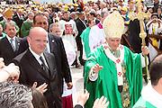 San Giovanni Rotondo 21 Giugno 2009, Visita Pastorale di Sua Santità Papa Benedetto  XVI , Italy San Giovanni Rotondo 21 06 2009, Visit of  Papa Benedetto  XVI in the foto , saluta i fedeli