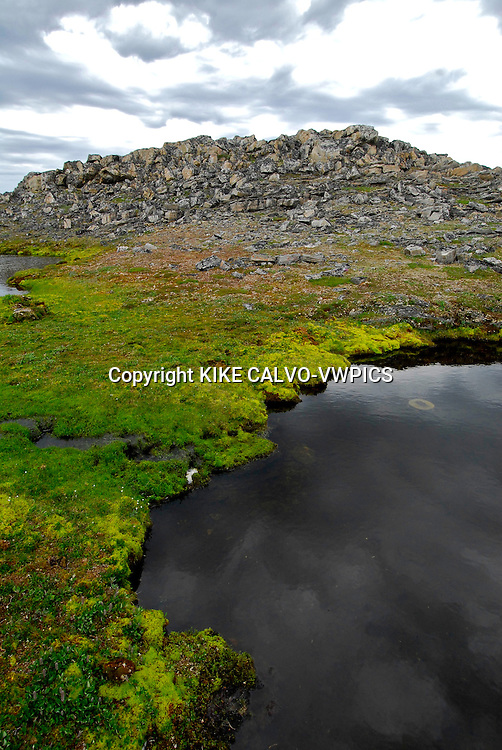 Opingivik Island. Baffin Island South. Evidence found nearby show that the Thule culture, ancestors of todays inuits lived here.