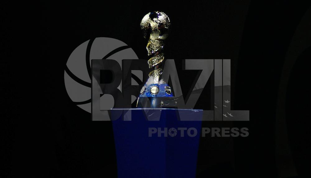 SAO PAULO, SP, 01 DEZEMBRO  2012 - SORTEIO COPA DAS CONFEDERACOES  -Trofeu da Copa das Confederacoes e visto durante sorteio dos grupos neste  sabado no Parque Anhembi regiao norte da capital paulista. FOTo: WILLIAM VOLCOV - BRAZIL PHOTO PRESS.