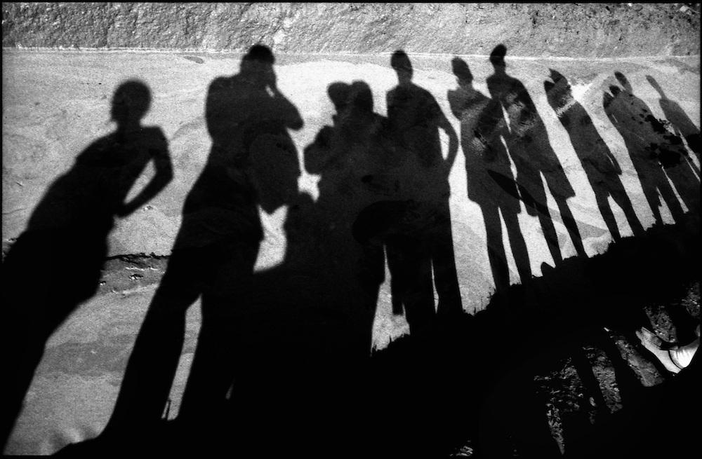 SELF PORTRAITS / AUTORRETRATOS.Photography by Aaron Sosa.Achagua, Apure State - Venezuela 2002.(Copyright © Aaron Sosa)
