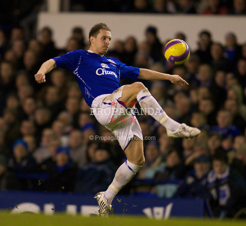 LIVERPOOL, ENGLAND - Thursday, February 21, 2008: Everton's Philip Jagielka in action against SK Brann Bergen during the UEFA Cup Round of 32 2nd Leg match at Goodison Park. (Photo by David Rawcliffe/Propaganda)