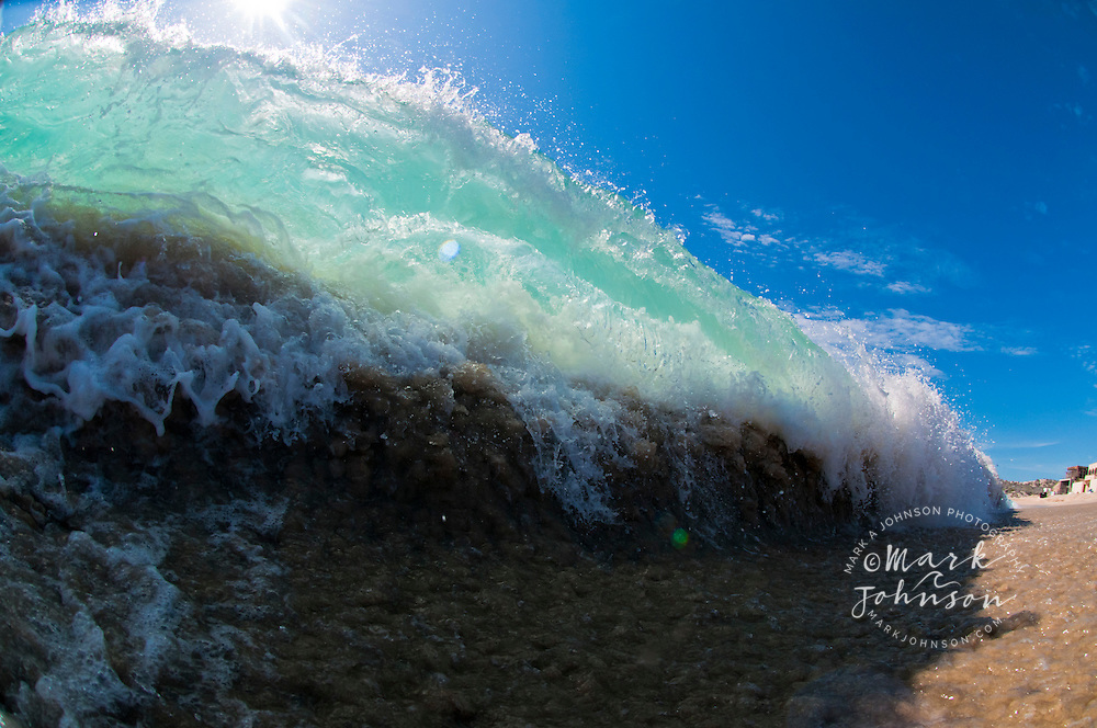 Shorebreak wave, Distilideros, Baja California Sur, Mexico