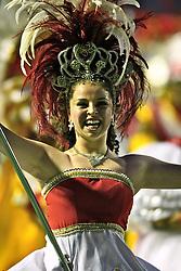 A escola Imperadores do Samba momentos antes da partida  entre Internacional e Estudiantes, no estádio Beira Rio, em Porto Alegre,  válida pela final da Copa Sulamericana 2008,. FOTO: Jefferson Bernardes/Preview.com