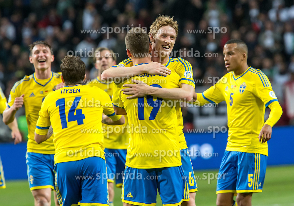 15.10.2013, Friends Arena, Stockholm, SWE, FIFA WM Qualifikation, Schweden vs Deutschland, Gruppe C, im Bild Sverige 19 Alexander Kacaniklic gratuleras av lagmedlemmar congratulations celebrate with team mates, , , Nyckelord , Keywords : football , fotboll , soccer , FIFA , World Cup , Qualification , Sweden , Sverige , Schweden , Germany , Tyskland , Deutschland jubel jublande glad gl&copy;dje lycka happy happiness celebration celebrates // during the FIFA World Cup Qualifier Group C Match between Sweden and Germany at the Friends Arena, Stockholm, Sweden on 2013/10/15. EXPA Pictures &copy; 2013, PhotoCredit: EXPA/ PicAgency Skycam/ Ted Malm<br /> <br /> ***** ATTENTION - OUT OF SWE *****