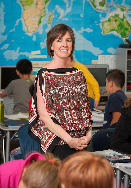 Liz Goodman teaches 5th graders at River Oaks Elementary School, May 6, 2013.