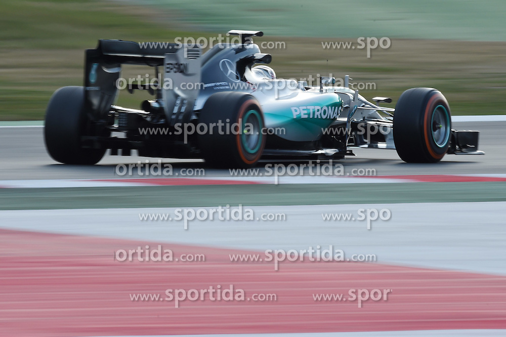 28.02.2015, Circuit de Catalunya, Barcelona, ESP, FIA, Formel 1, Testfahrten, Barcelona, Tag 3, im Bild Lewis Hamilton (GBR) Mercedes AMG F1 06 // during the Formula One Testdrives, day three at the Circuit de Catalunya in Barcelona, Spain on 2015/02/28. EXPA Pictures &copy; 2015, PhotoCredit: EXPA/ Sutton Images/ Mark Images<br /> <br /> *****ATTENTION - for AUT, SLO, CRO, SRB, BIH, MAZ only*****